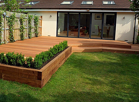 All patio design landscapers in surrey and berkshire for Decking for back garden